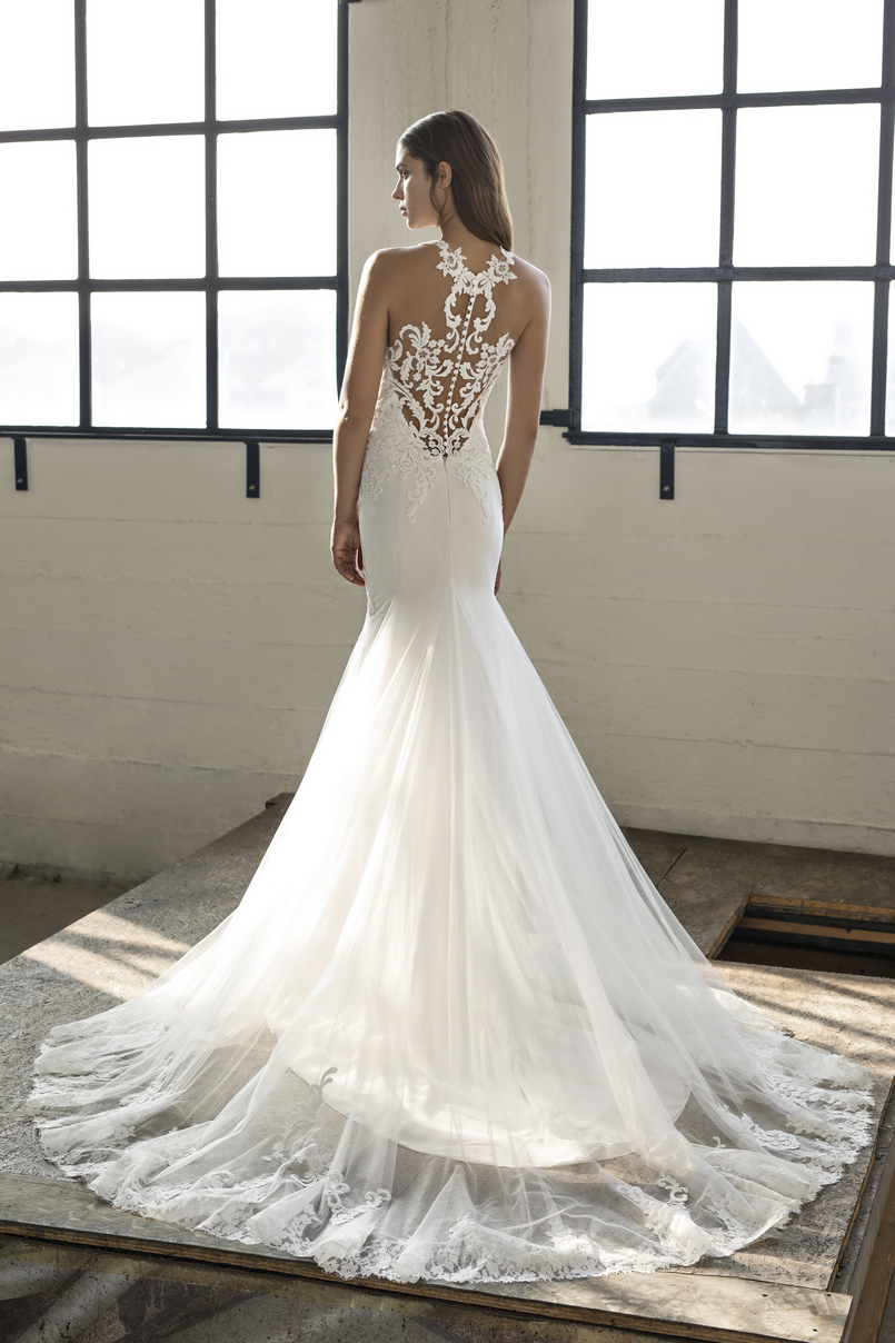 Ex-sample fit and flare silhouette by Modeca Bridal