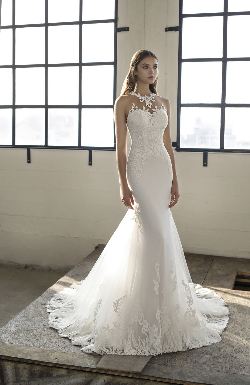 Elvira ex-sample Modeca Bridal wedding dress with romantic lace and soft tulle