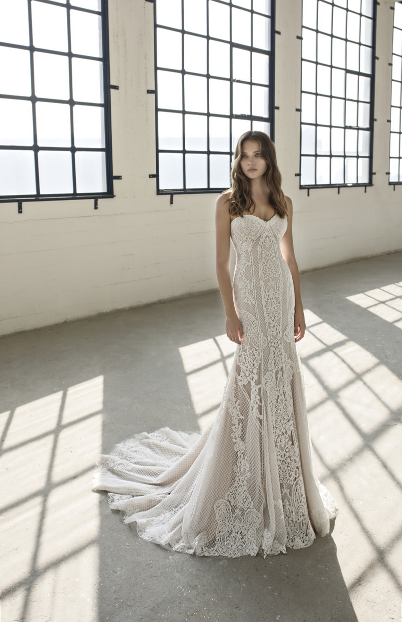 Unique lace ex-sample Modeca Bridal wedding dress