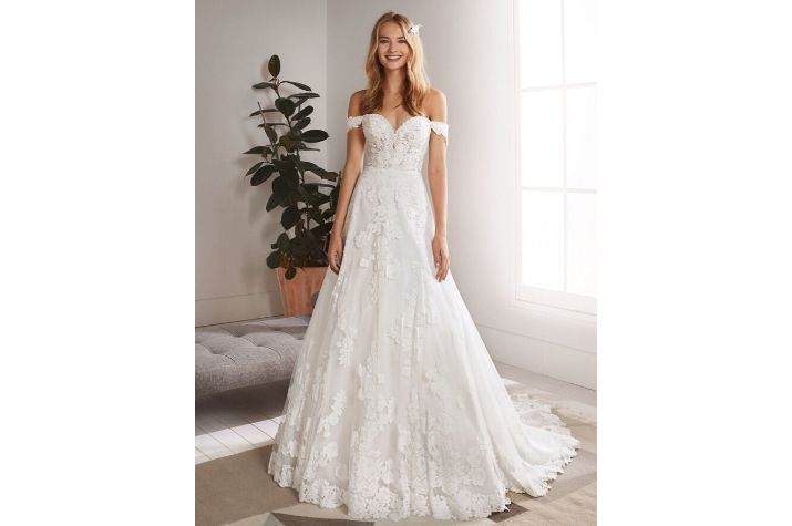 Ex-sample-White-One-wedding-dresses-at-Chilham-Bridal-boutique-UK