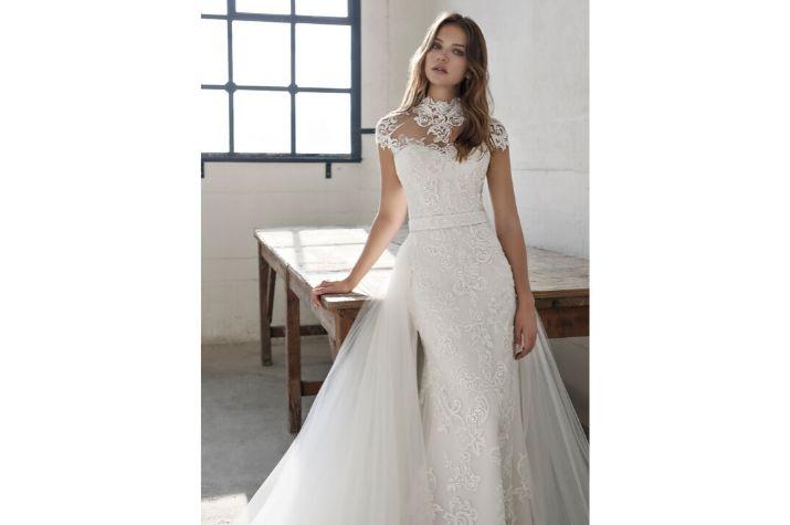 Modeca-Bridal-wedding-dress-at-Chilham-Bridal