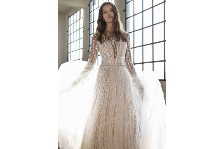 Pre-loved-Modeca-Bridal-wedding-dress-at-Chilham-Bridal