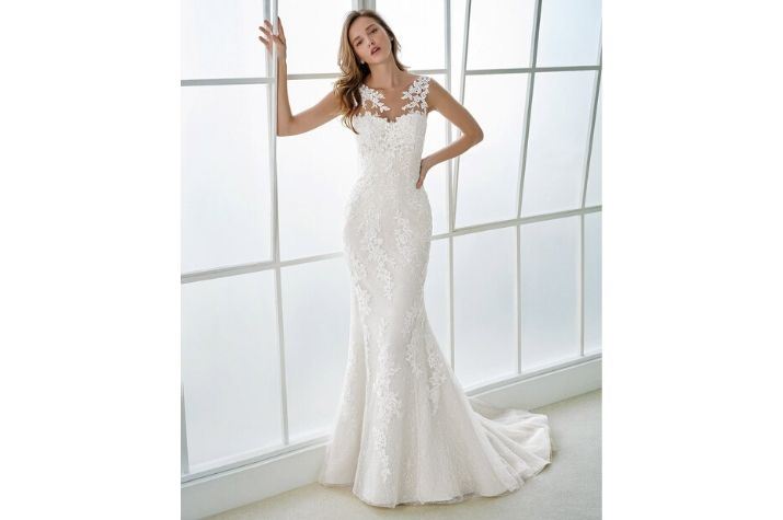 Pre-loved-White-One-wedding-dresses-at-Chilham-Bridal-boutique-Kent